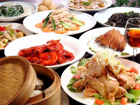 """For various banquets ... Chinese sashimi, molted shrimp oil ginger rooster, shark's fin dumplings etc. """"Luxury course"""" 100 minutes with all you can drink 6000 yen"""