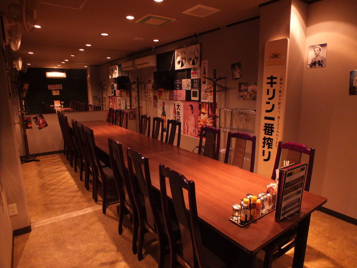 [Table Seating Banquet Use (Medium Room)] It is possible to use it for a maximum of 22 people.Please use it by all means for drinking party etc. of company and circle.In that case, course dishes and all you can drink are recommended.Please feel free to contact us.