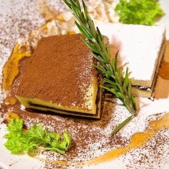 イタリア直送ティラミス/濃厚チーズケーキ/生チョコと季節のフルーツ/パリブレスト