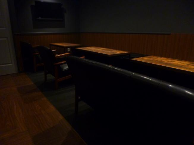落ち着いたソファー席も完備★10名様~20名様まで収容可能★10名様以上で貸し切りプランご用意しています♪