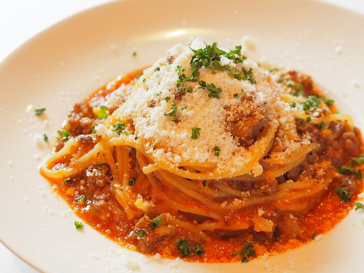 Classic meat sauce & daily changing pasta ♪