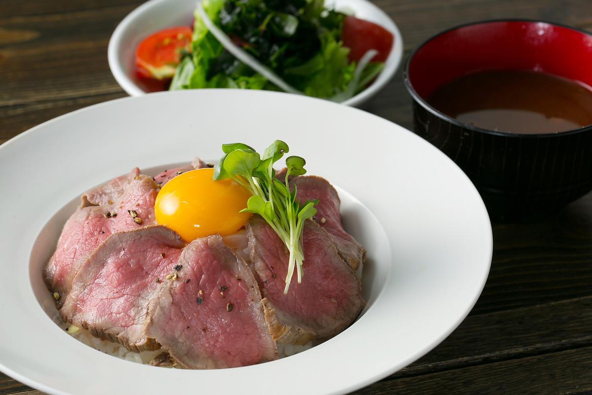 平日限定! 黒毛和牛ローストビーフ丼