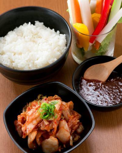 【コースは白菜キムチ&パリパリサラダ&銀シャリ】