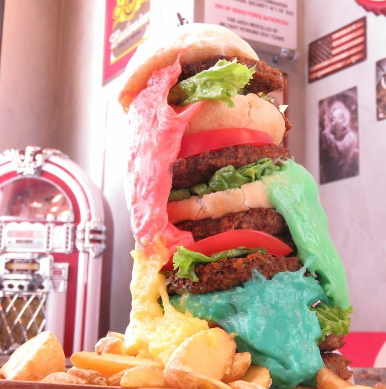 【要予約】インパクト抜群!カラフルチーズのタワーバーガー