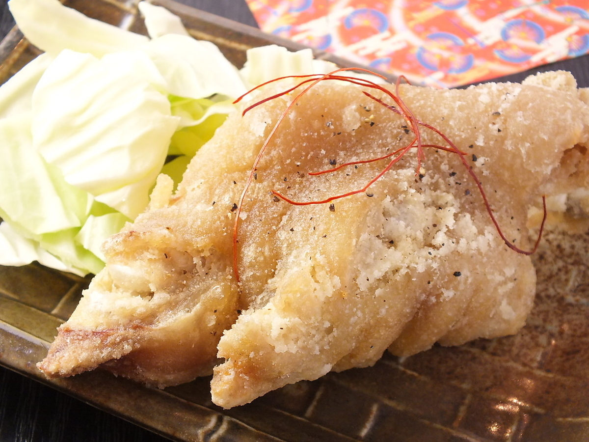 カリカリ揚げ豚足