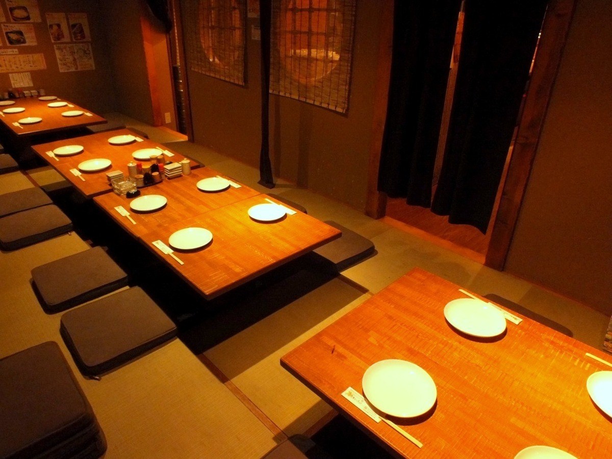 It is a private room for 2 to 20 people.Perfect for various opportunities such as company banquet.