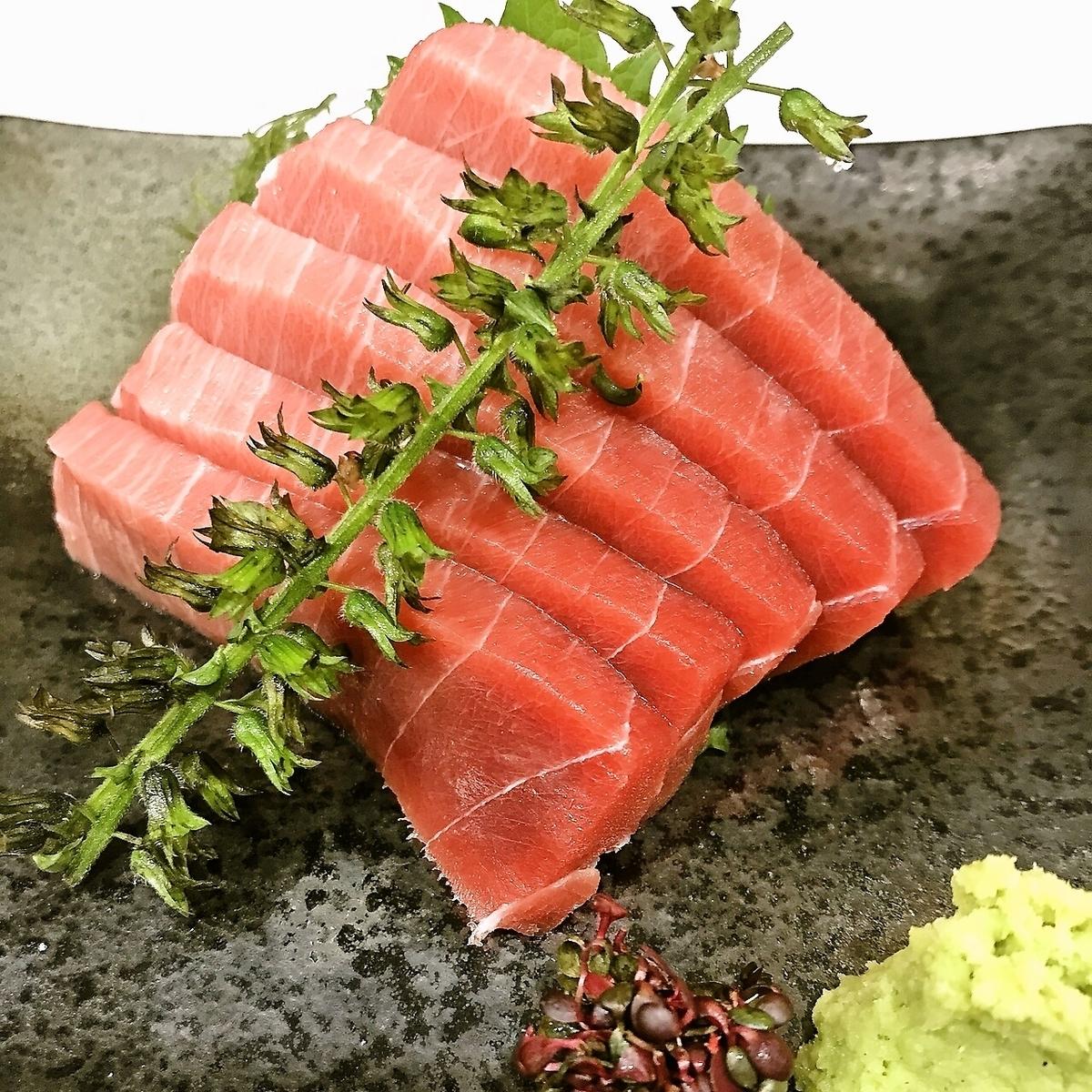 金槍魚生魚片內的金槍魚