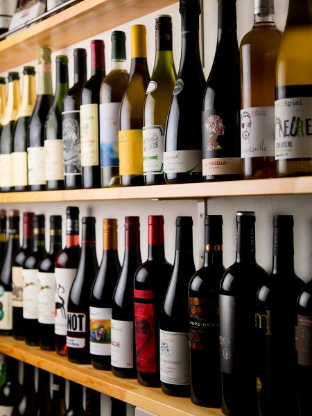 The interior where wine is lined up is fashionable, atmosphere excelent ♪ Various wines are irresistible for wine lovers ★ You can use in various scenes such as girls' society and date!