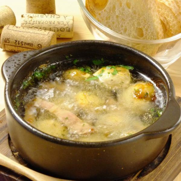 ベーコン香る島根県産マッシュルームのアヒージョ!