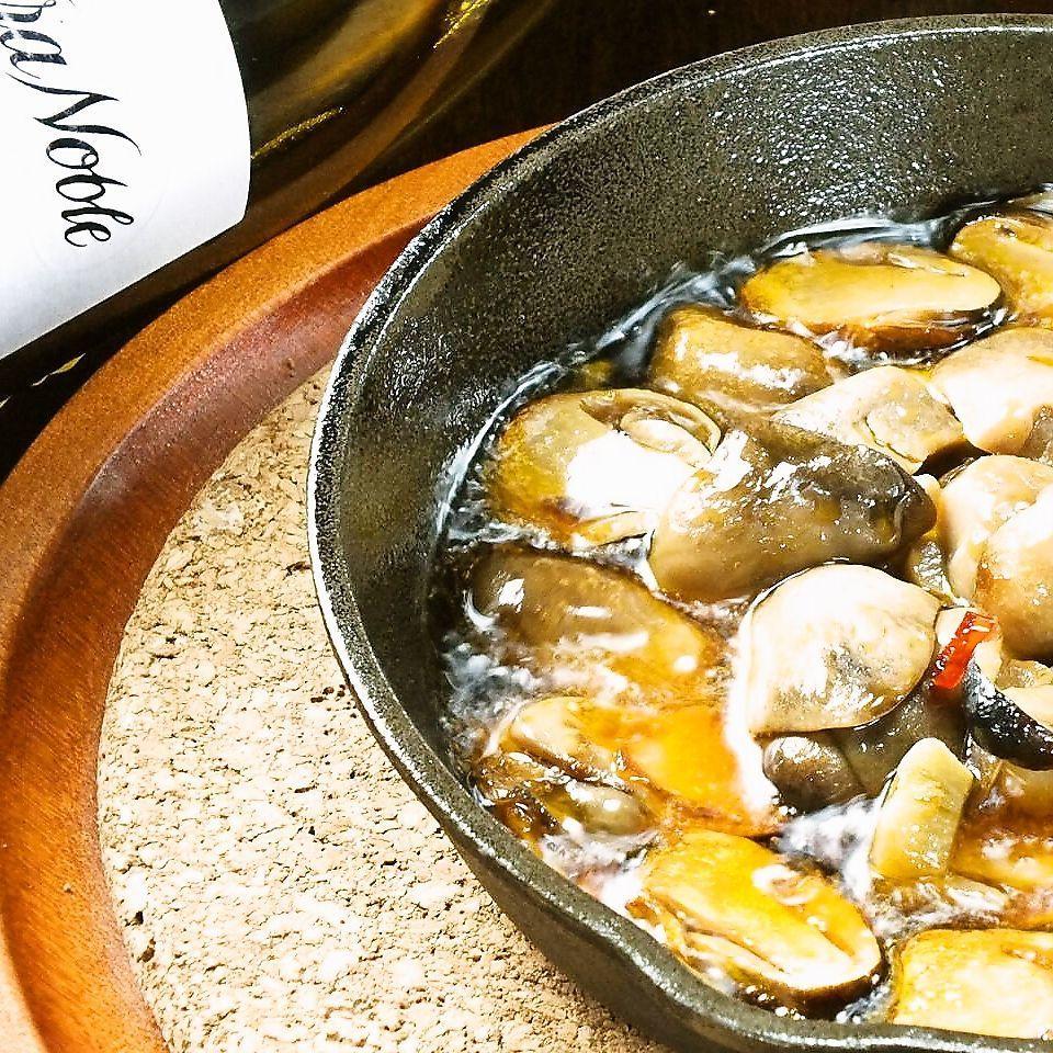 シャンピニオンとガーリックのピリ辛オイル焼き