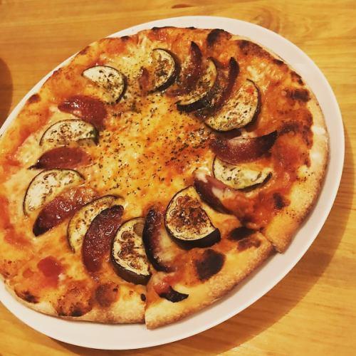 豊富な種類から選べる手作りピッツァ