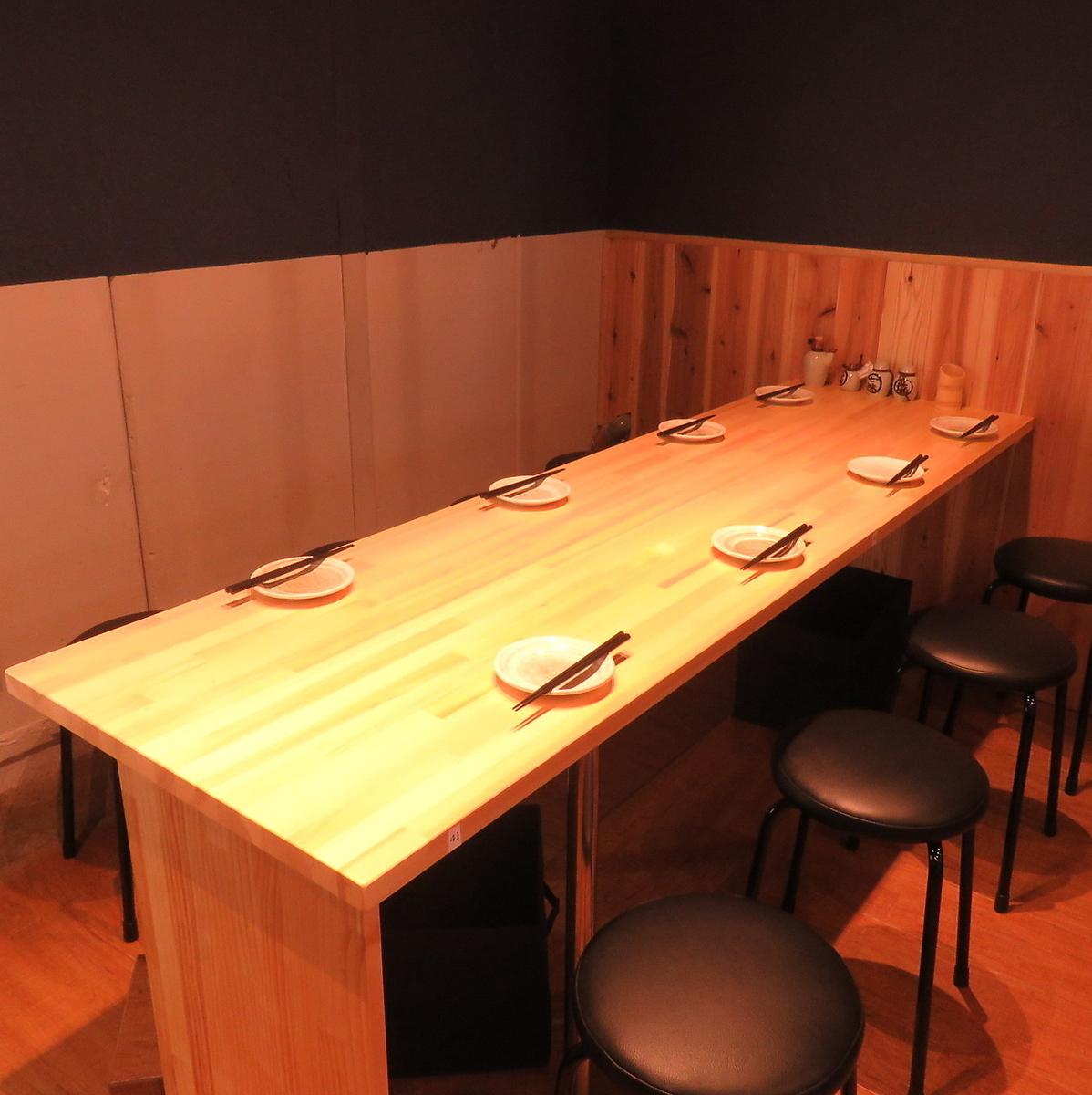 사용하기 쉬운 테이블 석은 퇴근길의 회식에도 최적 ◎ 아키하바라에 오시면 꼭 한번 들러주세요 ♪