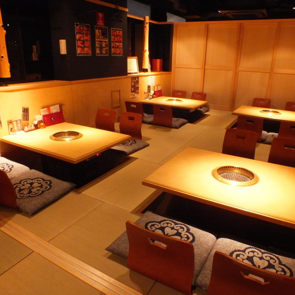 In a fully-private room, you can relax yourself by slowly extending your legs without concern for 16 people for 16 people.Full-size private room ☆ In the half-room compact floor room ☆ Yakiniku party, girls' party, charter banquet ☆