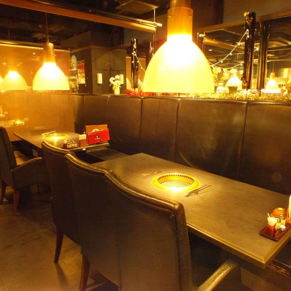 Ideal for meals and entertainment on anniversary.Full-size private room ☆ In the half-room compact floor room ☆ Yakiniku party, girls' party, charter banquet ☆