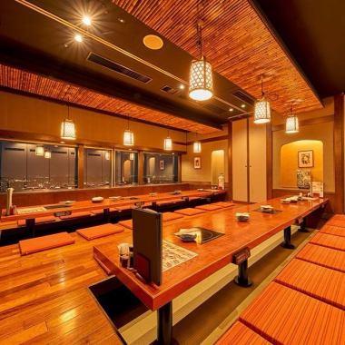 ◆從海濱幕張站北入口步行2分鐘◆在江戶的氣氛內...是面向夜景的Techno Garden的24樓。有許多全私人房間,可容納4人至50人!使用精心挑選的食材的季節性課程也可用♪