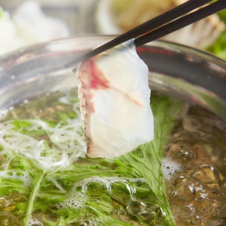 """【Luxury Seafood】 Our most popular No, 1 ★ Fresh Bream Shabu Shabu course ♪ """"All-you-can-drink for 3 hours"""" 9 items 5000 yen ⇒ 4000 yen"""