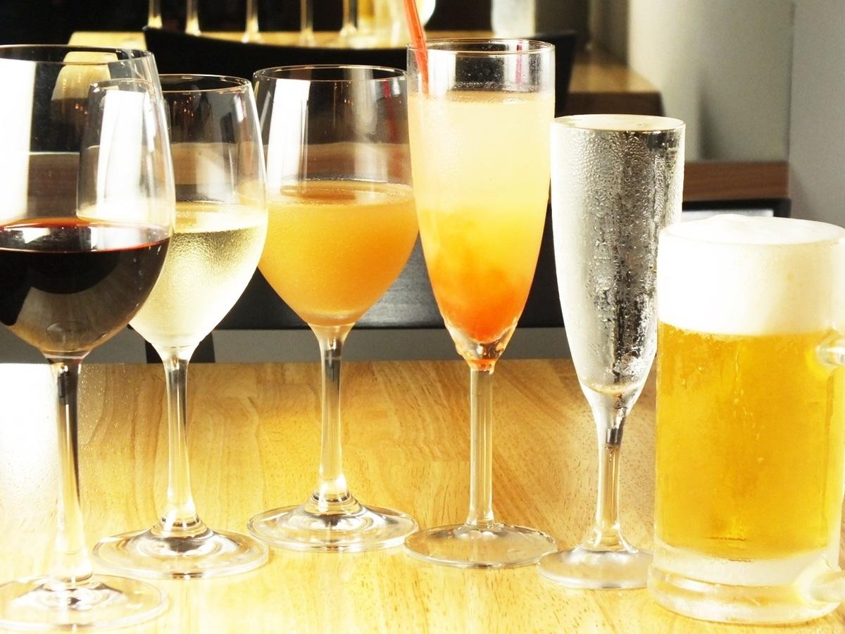我們也有豐富的啤酒,葡萄酒和雞尾酒!