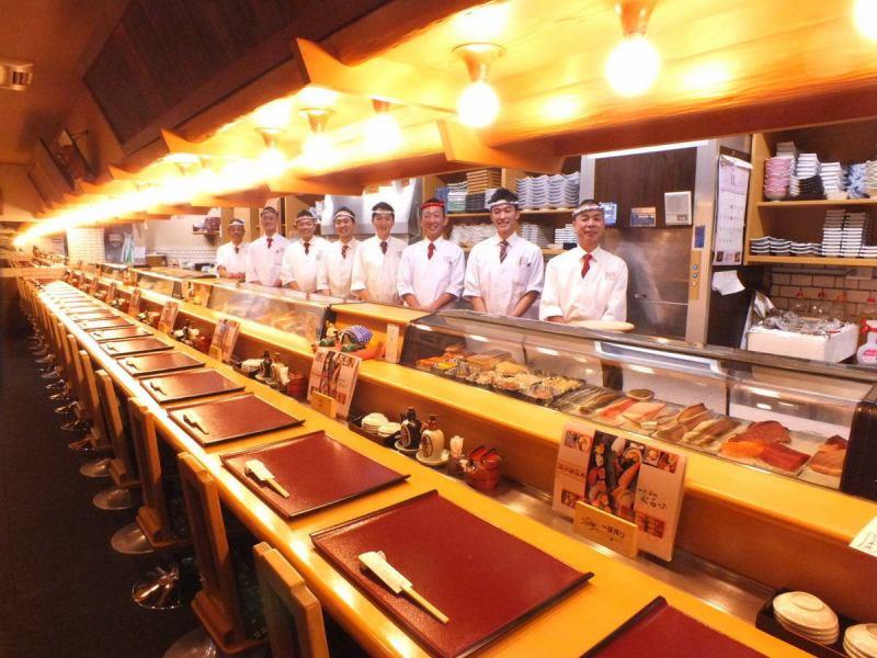 【柜台座位◎】寿司的最佳部分是柜台。与寄宿生的柜台独特。Bakemasu将以易于理解的方式解释当天购买的新鲜故事。柜台就像一个舞台表演。