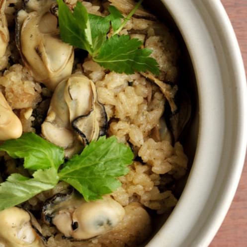 牡蛎煮熟的米饭