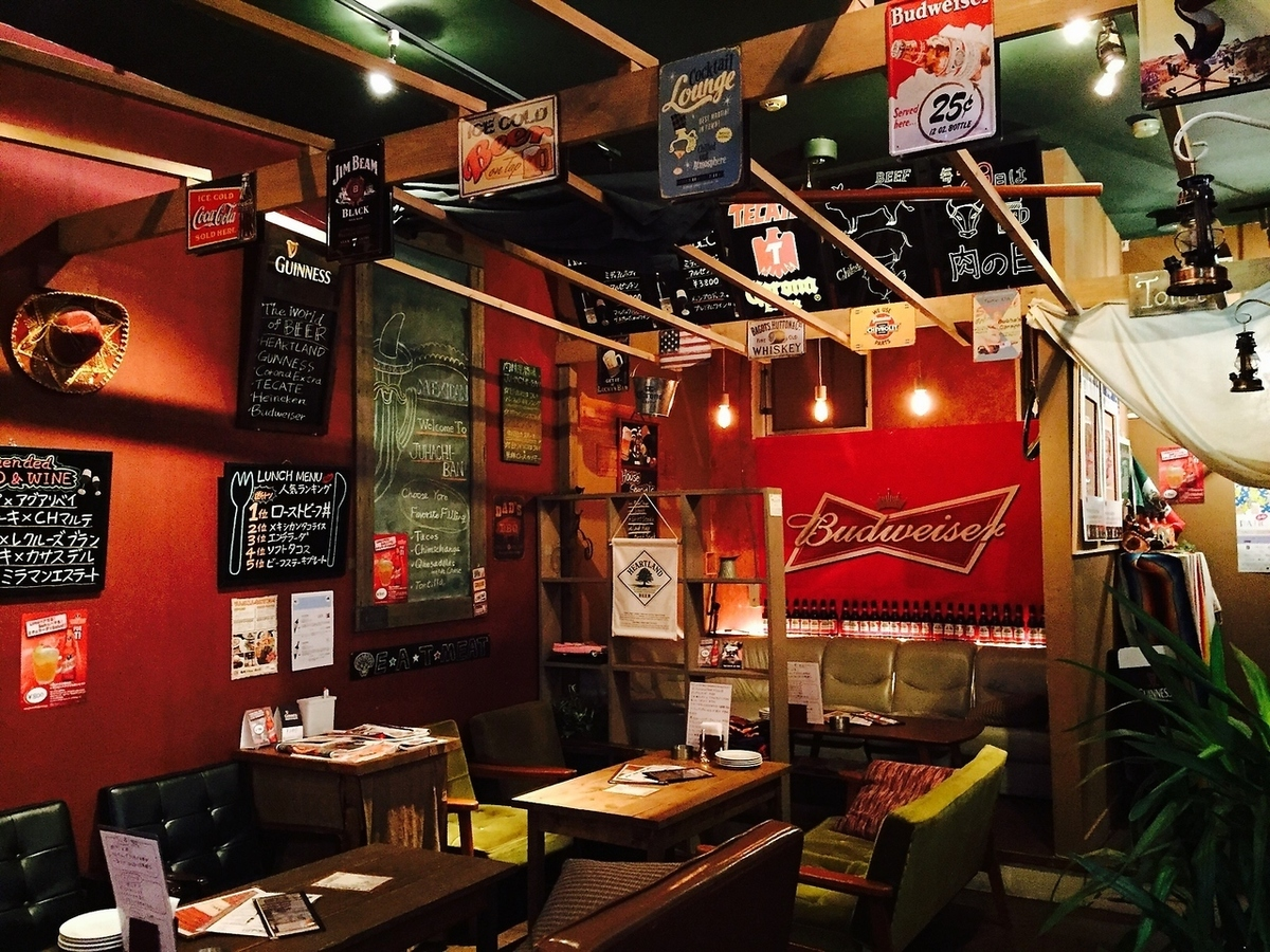 【Table Seats】 JUHACHI-BAN ☆ All 10 seats Women's Association and Boys' Association ♪ Enjoy in American shops such as lamb chops and tacos ♪ There are various kinds of atmosphere sofa seats and table seats on red painted walls ☆ On that day OK ☆ 2h 1980 yen (tax excluded) LO 110 minutes / 3h 2480 yen (excluding tax) LO 170 minutes