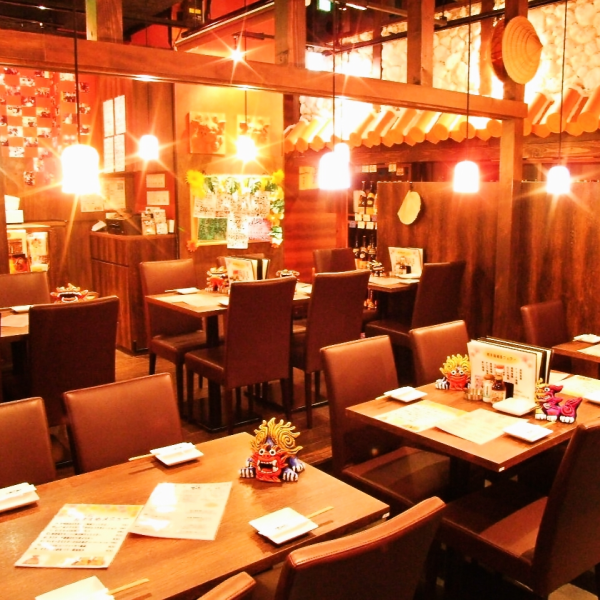 """Little moody store ◎ drunk to the atmosphere to drink in the stylish store ~ ♪ bathed in pale light of indirect lighting that uses a Ryukyu glass-store atmosphere preeminent! Banquet is from 2 to 70 people OK! 50 kinds shochu, It boasts the awamori 50 species, plum wine 100 species and vast lineup ♪ only """"Tida"""""""