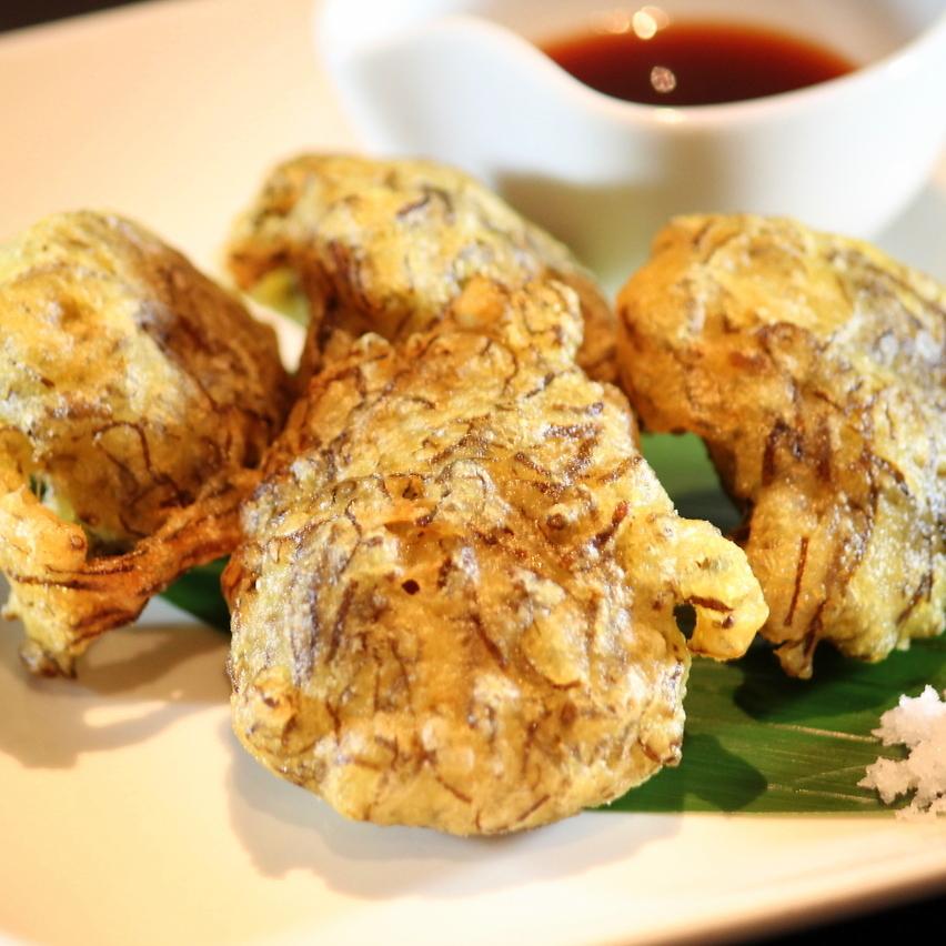 Okinawa mozuku's refreshing tempura