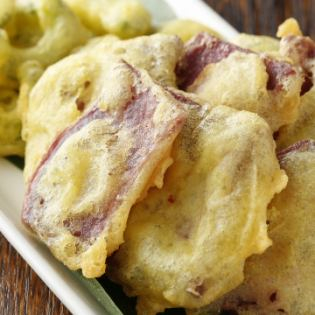 Tempura of bitter gourd and Beniimo