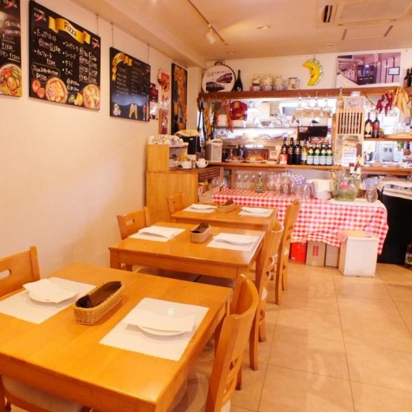 Bright and casual inside is an atmosphere that anyone can enter easily ♪ Homemade pasta · Popular pizza, as well as home cooking according to purchase of the day are prepared.Enjoy a delicious Italian in the at home atmosphere at night!
