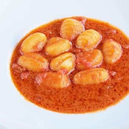トマトクリームニョッキ