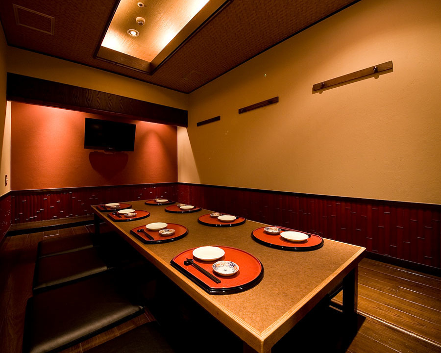 Our secret private hideout room.Maximum of 8 people available.You can enjoy your meal while watching TV.※ This private room has a separate room usage fee separately.