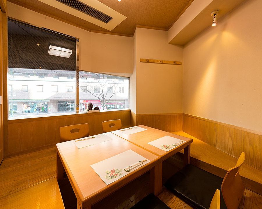 A fully-private room can also be used for 2 people ◎ Please feel free to contact us!