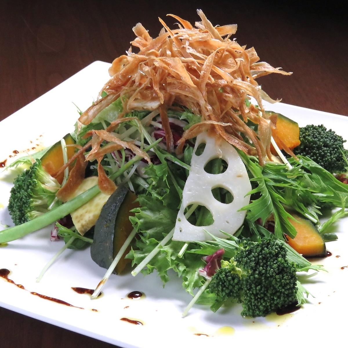 5 종의 뿌리 바삭 바삭한 샐러드