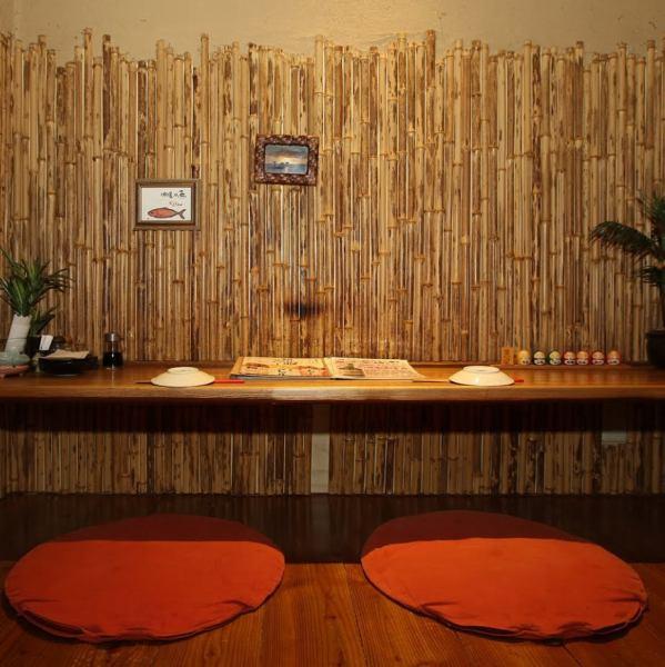 在琉球酒吧barnival,你也可以使用日期◎我们也准备可以与两个人并排使用的座位!