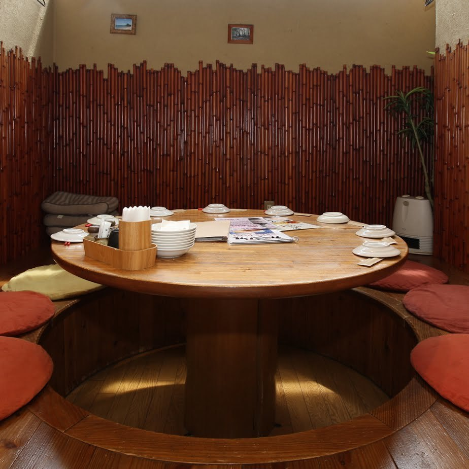At the Ryukyu bar barnival (Ryukyu Sakaba Rihabu) we are offering a perfect private room for private banquets!