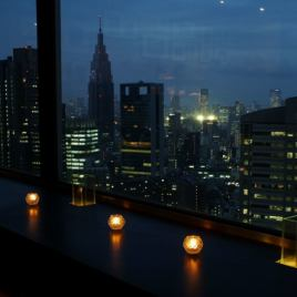 [Scenery boast 1] Recommended with a feeling that the contrast between the night view and the candle is calm