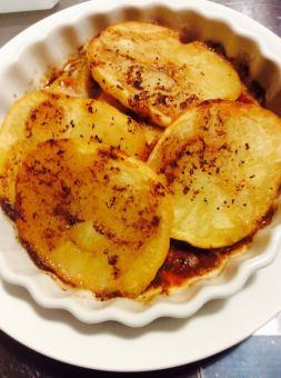 马铃薯的日式大蒜黄油