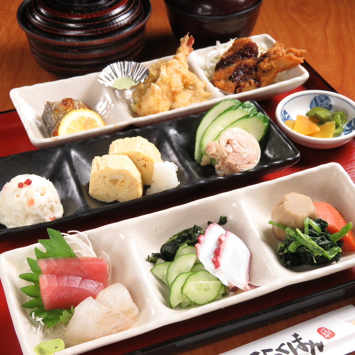Lunch set meals are all 700 yen range