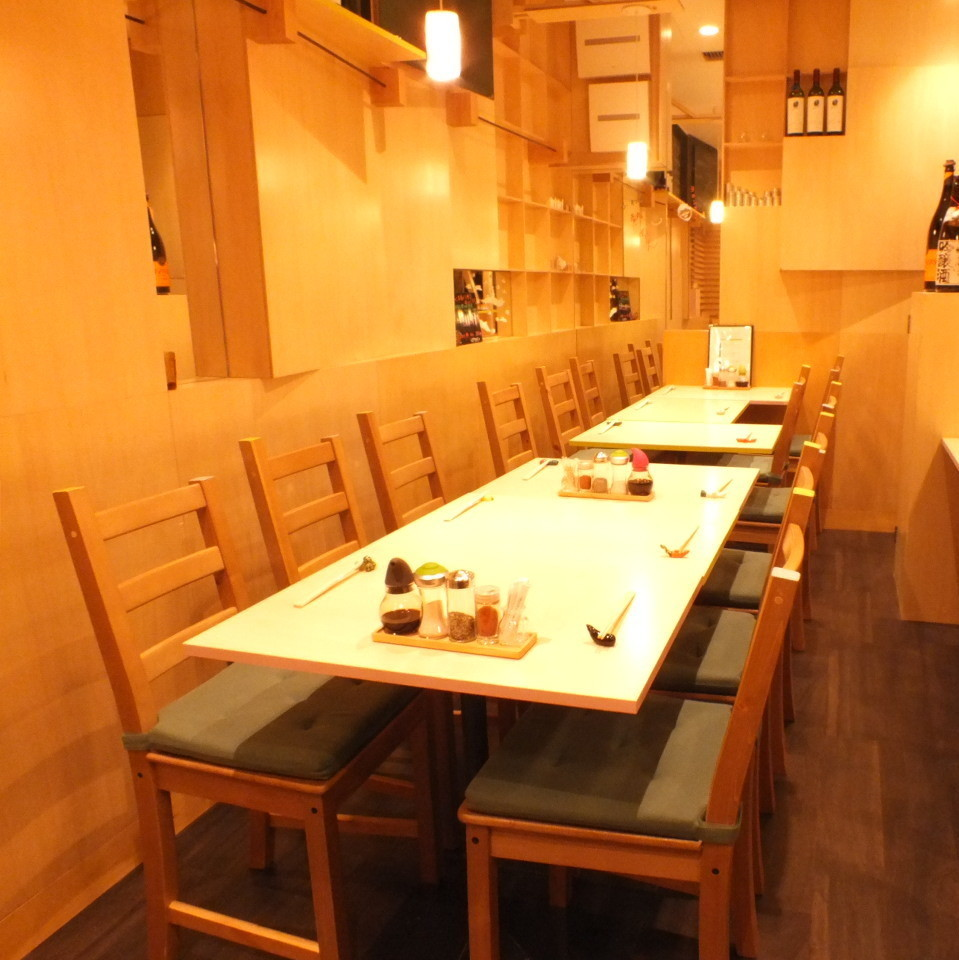 【For private】 We can also reserve a table for up to 12 people! Please do not hesitate to contact us ♪