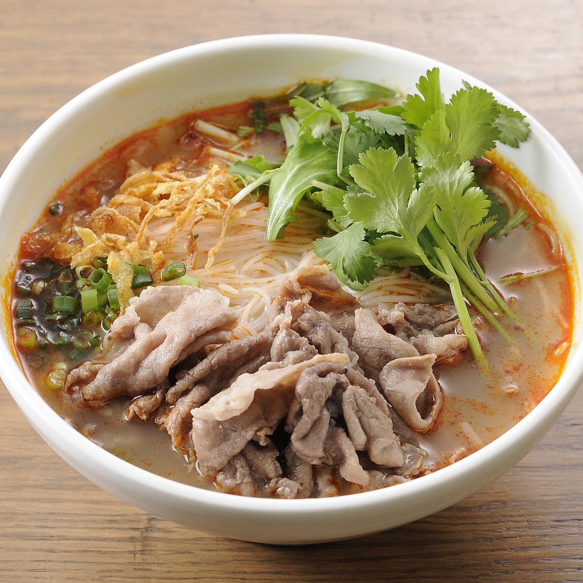牛肉の辛口スープ麺(細麺)