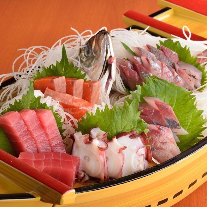 산 리쿠의 신선한 생선을 장인이 정성스럽게 펼칩니다!