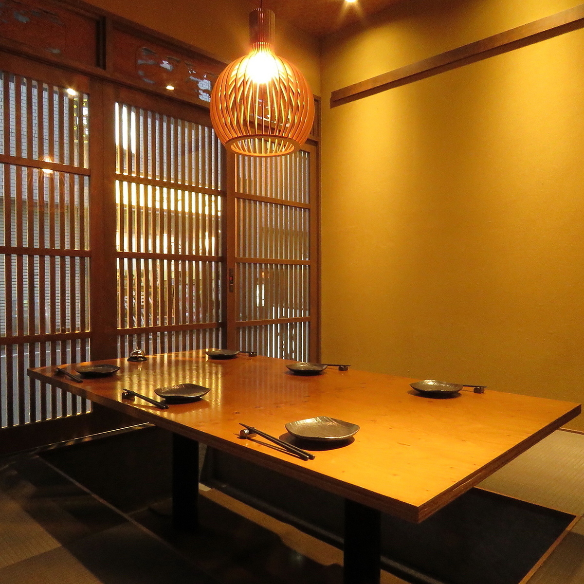 We also have private rooms available for 6 to 8 people.The Osaki private room is a space with plenty of privacy.It is recommended for meetings surrounding guests, etc.