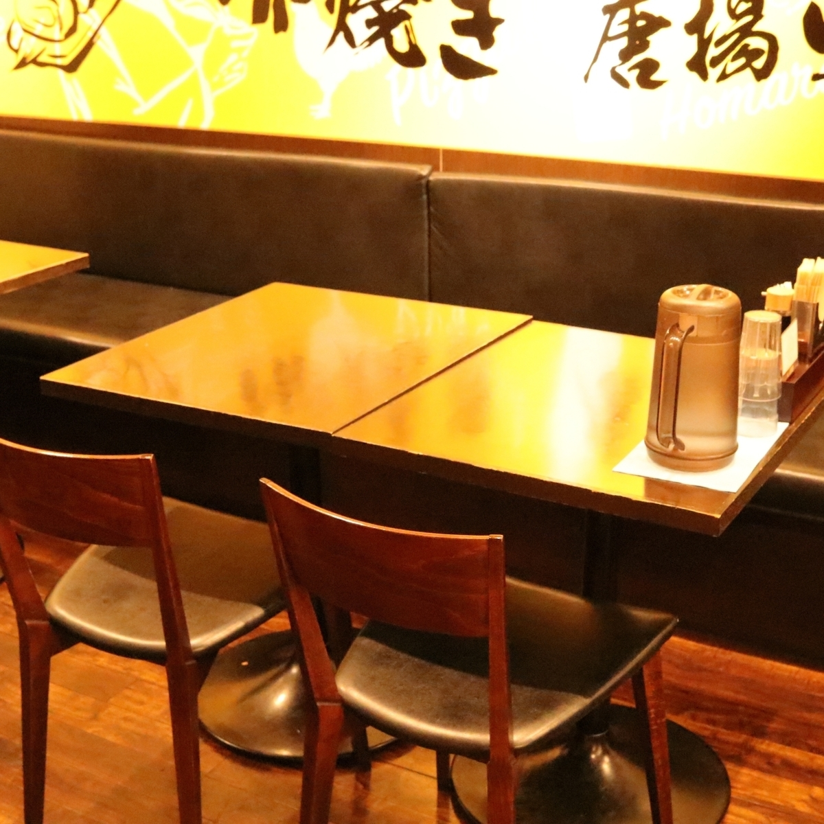 We have 6 tables for 4 people! Layout freely for movable seats ♪ Even for family use of meals ◎