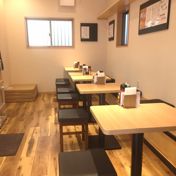 The table seat is perfect for use by just a few people! Please feel free to come and have a mom with a child ♪ Prepare the seasonings you can use for each table! Salt, wasabi, grated ponzu etc etc Your preference You can enjoy it with the taste of!