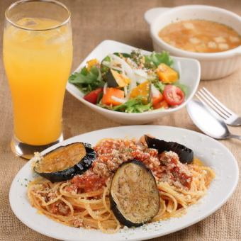 2 kinds of pasta to choose and 10 items salad lunch set