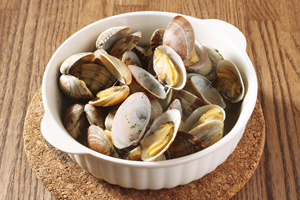 Steamed clams with beer