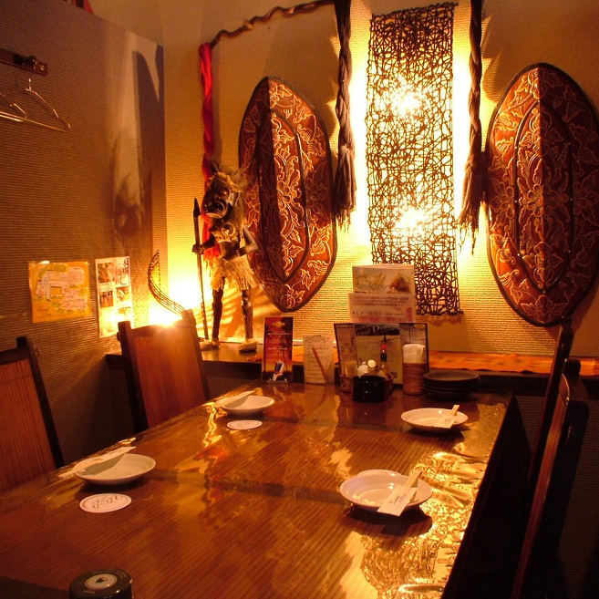 Table seat where you can taste Balinese atmosphere