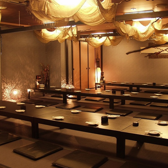 An Osaki private room with a maximum of 100 people.It can also be divided according to the number of people.