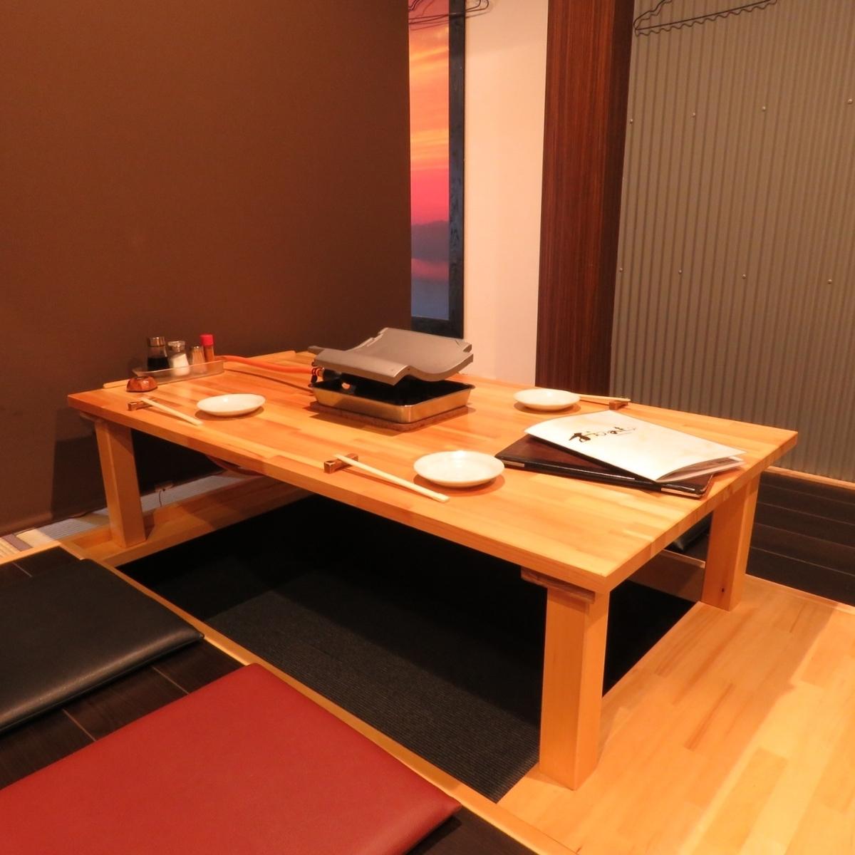 挖掘炬燵個人房間,您可以輕鬆地坐2至4人。私人和宴會◎