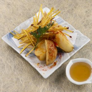 九州萨摩和北海道男爵的陈年马铃薯薯条