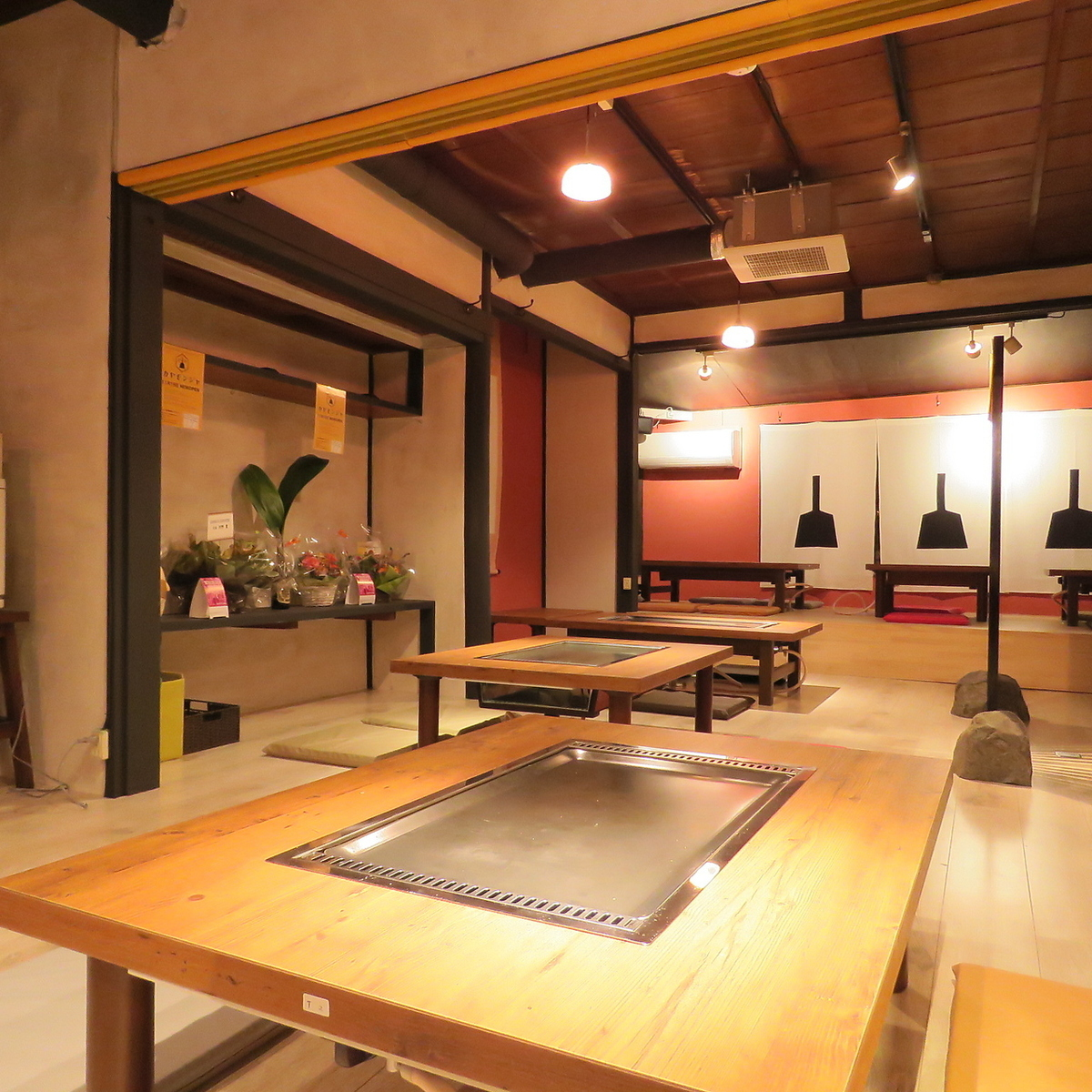A good location 5 minutes on foot from Kami-cho and Kami-Maizu! Showa retro atmosphere but Monobumo-yaki filled with Asobigokoro! It is a space that you can enjoy regardless of gender ♪ One person welcome ♪